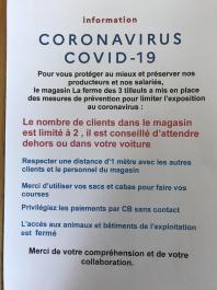 Affiche magasin ferme des 3 tilleuls distances coronavirus